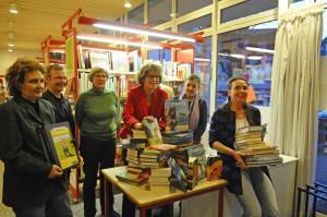 Bücherspende 2014 - Übergabe in Anwesenheit von Bürgermeister Otto Neuhoff