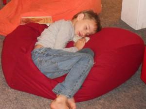 David ist beim Lesen endlich eingeschlafen Foto: Margot Lenk